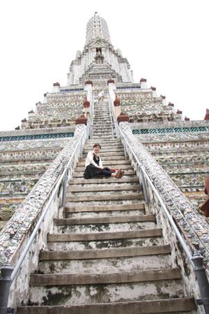 急こう配な階段とゆきんこ