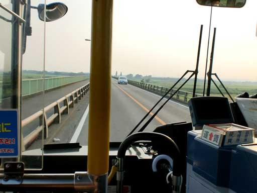 バスは行く1