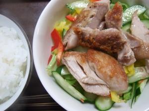 20100526鶏の塩焼きおかずサラダ