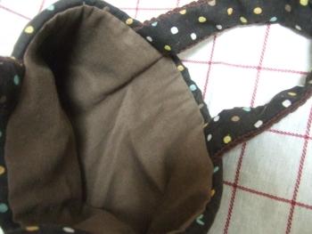 20110120チョコレート色の細編みバッグ3