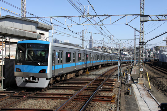 20090208_odakyu_4000_2g-02.jpg