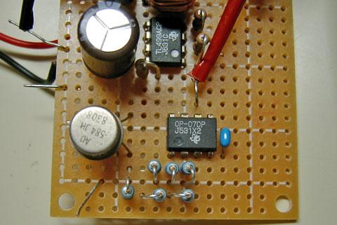 基準電圧源2