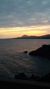夕暮れの大浦海岸