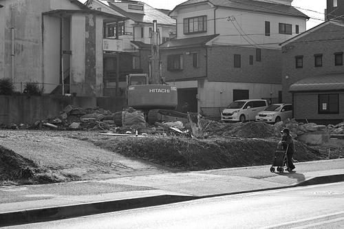 モノクロ街風景-15