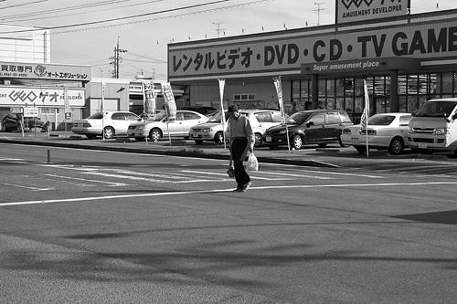 モノクロ街風景-4
