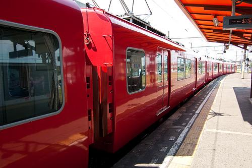 名鉄の赤い車両