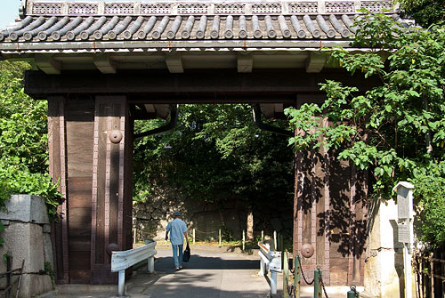 名古屋城帰り道-2b