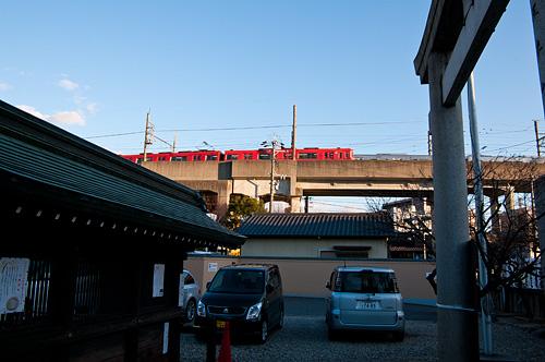 山田八幡宮瀬戸電赤列車
