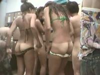 のぞきザムライ 「水着ギャルで混雑する更衣室4」