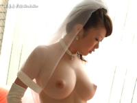 巨乳美女のウェディングドレス・ヌード画像