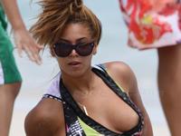 ビヨンセ おっぱいポロリ画像? Beyonce Nipple Slip