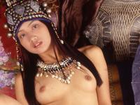 苗族美人のヌード画像