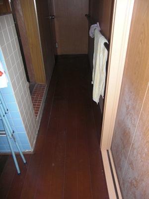 S邸脱衣室 床リフォーム