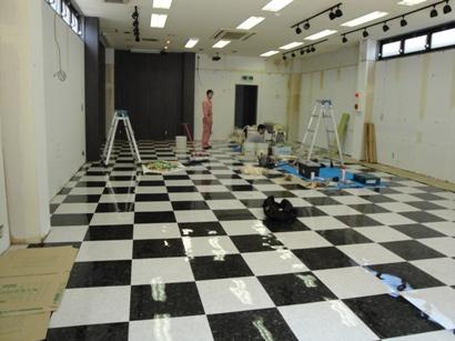 店舗移設改修~床と壁に仕上げ