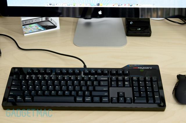 Model_S_Pro_Mac_02.jpg